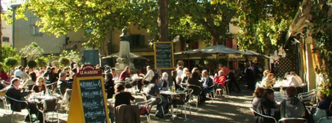 Enjoy one of the many restaurant at La Cite