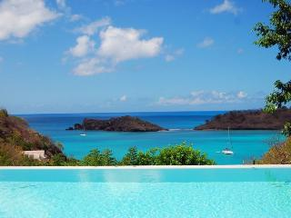 Villa Champagne - Sea Views - 5 +1 Bedrooms, Antigua