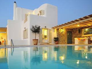 The Medluxe Villa, Ornos