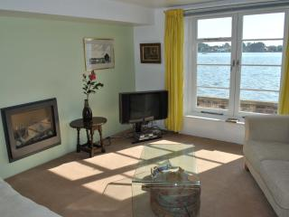 Sitting room with lovely sea view