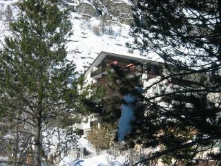 Zayetta 54 - right in the heart of Zermatt.