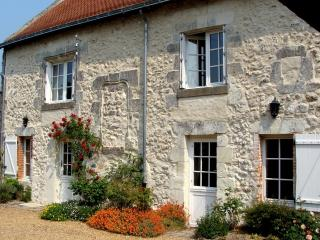 Loire cottage with character & village location., Breil