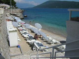 Waterfront three-bed studio, Savina
