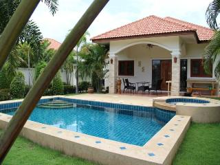 Villas for rent in Hua Hin: V6047