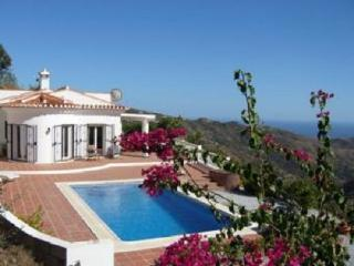 Casa Bonita Wonderful luxury 3 bedroom south facing, villa with private pool.