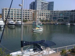 Beautiful 2 bedroom apartment at The Island by the Marina