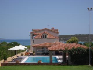 Ermioni Villas - Oceanfront villa in Peloponnese