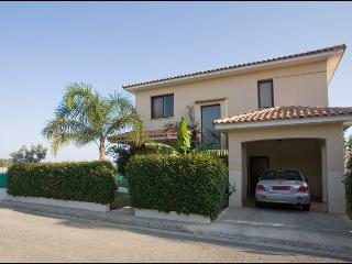 Royal 3bdr,private pool,garden,patio,bbq,wi-fi