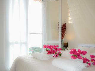 Harmonie Creole B&B - White Room - Sea View