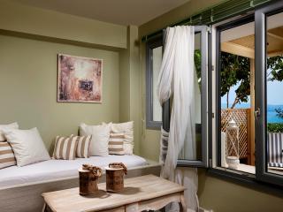 Villa Cave Naxos 2 + 1 sleeps, Naxos (ville)