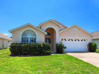 Spacious Home at Indian Creek  - 3 miles to Disney, Kissimmee