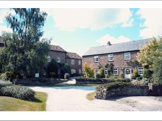Front view of Wetheral Cottages