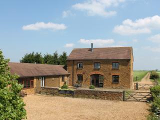 Nr Stratford, Silverstone, Warwick, Oxford, Blenheim, Cotswolds, family friendly
