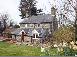 Detached Welsh stone house with private garden, Dyffryn Ardudwy