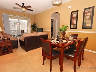 Pacific Palms - Stunning Condo at Windsor Palms, Four Corners