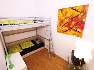 LG 6  Raisa Apartment, Vienna