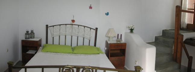 Double bed bedroom
