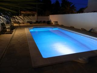 VILLA CASA CHRIS FREE WIFI SLEEPS 15+ 11MTR POOL, L'Ametlla de Mar