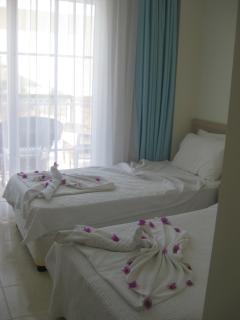 All 3 bedrooms are en-suite