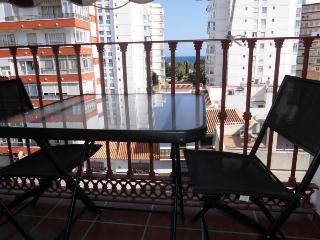 Apartamento 3 dormitorios. A/C, Wifi, Piscina, Garaje