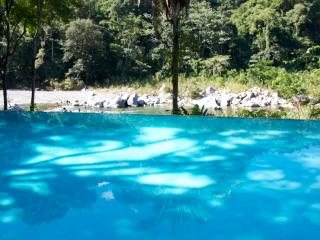 Cangrejal River Lodge a Jungle eco lodge