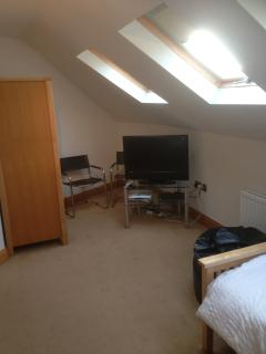 Bedroom 3 with sky tv/wifi/bean bags & seating