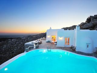Orion-Castle like villa with amazing views, Mykonos Town