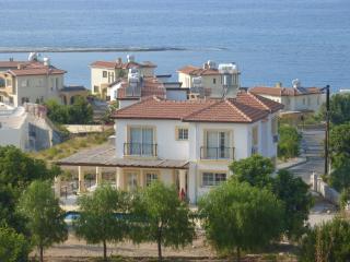 *Villa LA TOP*, Bahceli