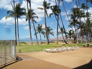 Hale Kai O' Kihei 2 Bedroom Ocean View 106, Waikoloa