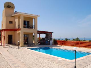 Enjoy your own private villa with pool at Secret Valley Golf Resort