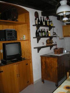 soggiorno, zona TV e dispensa