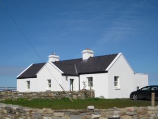 Ballycastle, Co. Mayo: renovated 3 bedroom cottage perfectly situated on the sea