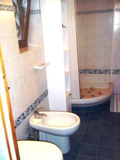 Bath (b)