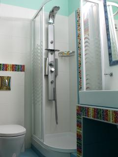 Sample of the style of bathrooms found in the Hotel Apartments Amaryllis in Tolo