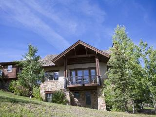 Fairway Drive - 4 Bd + Loft / 5.5 Ba Mountain Village Home - Sleeps 10 - Incredible mountain views! Ideal getaway winter or summer
