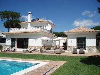 Villa Limonero with private pool and wifi., Huelva