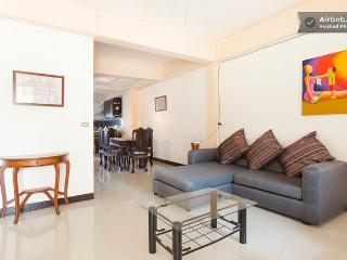 Family Townhome in City Center, Chiang Mai