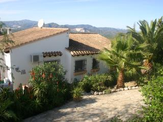 Casa Diana - Established rental property offering peace and tranquility.