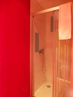 Détail douche chambre 2