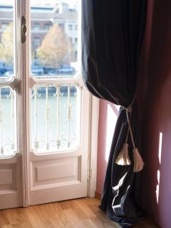 Residenza Dora, camera Rosa con vista sul fiume, balcone