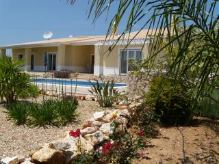 Nr.Alvor  -   Luxury Villa in exclusive private road