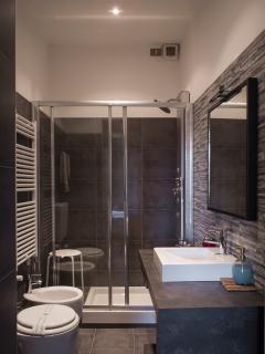 Residenza Dora, bagno camera Malva
