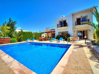 Villa Nayia - Shaded and sunny terraces furnished for al fresco dining