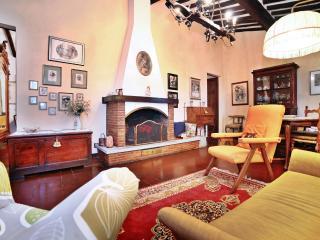 Casa Lyda-tra viti e ulivi con panorama su Lucca