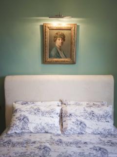 Residenza Dora, camera Malva, letto matrimoniale