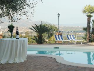Suite Apartment Elena |Mediterrean Sea view |Close to Etna | Pool |SUNTRIPSICILY