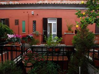 John Cabot Uni Lovely Apartmen, Rome