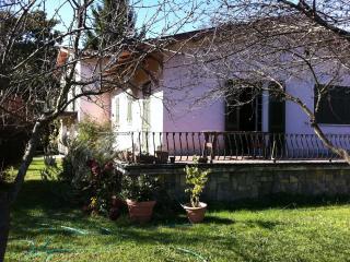 Villa sul fiume a Bocca di Magra, Ameglia