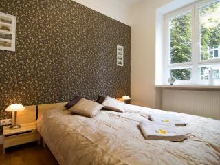 2 Bed. Apartment DMOCHOWSKIEGO, Varsovia