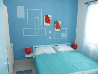 Family friendly apartment with WiFi Necujam Blue